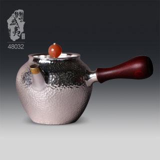 银壶大师李昊映,秀丽端庄侧把泡茶壶
